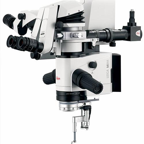 microscopio-operatore